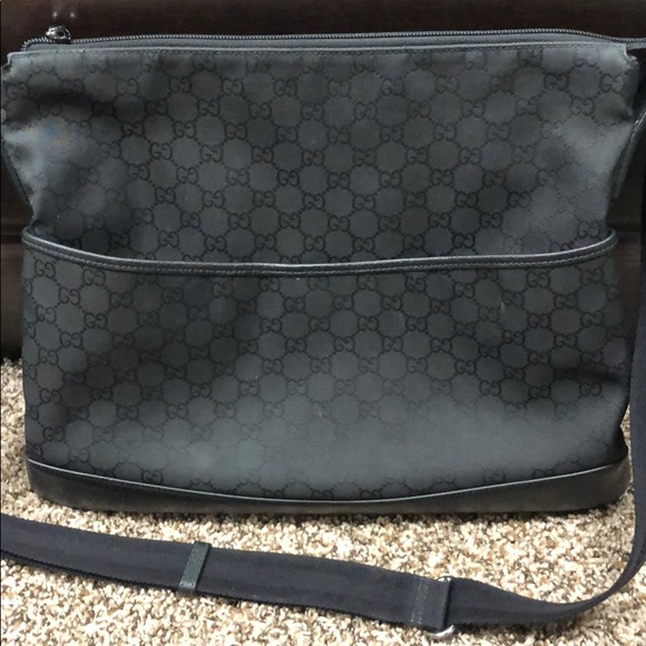 GUCCI Authentic Canvas Leather Crossbody Messenger